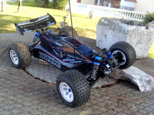 vends tout terrain 1 10 kyosho dbx ve 4wd. Black Bedroom Furniture Sets. Home Design Ideas