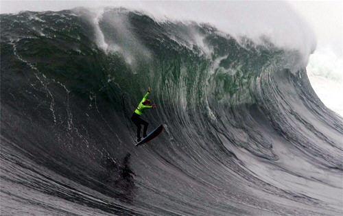 http://img40.xooimage.com/files/5/7/0/surf-extremo-01-10e5f79.jpg