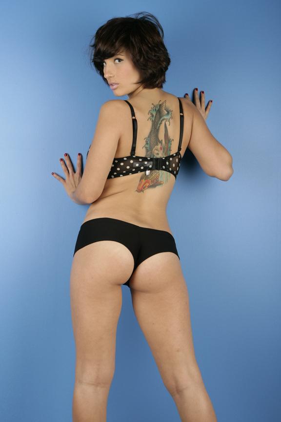Shay María, Model Mayhem