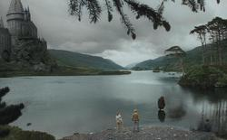 lac de poudlard / hogwart's lake 250px-lac_de_poudlard-1e23aa9
