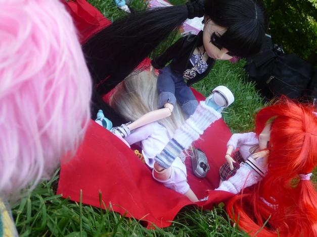 photos de vos dolls...ridicules XD (toutes dolls confondues) P1030201-1a86359